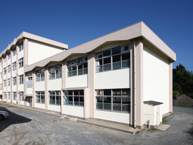 香椎第3中学校校舎外壁改修工事5