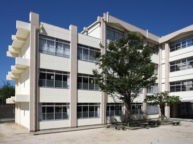 香椎第3中学校校舎外壁改修工事6