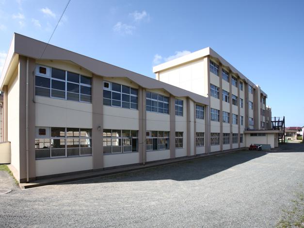 香椎第3 中学校校舎外壁改修工事4
