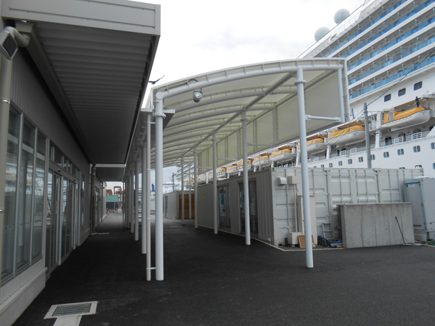 中央ふ頭クルーズセンター前シェルター工事6